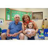 Celebrando a los Abuelos / Celebrating Grandparents