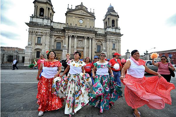 Guatemala Dia del Carino, Old Love Parade, love and friendship in guatemala