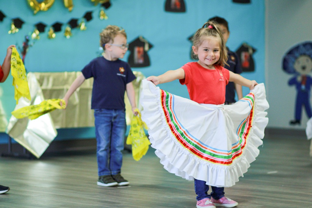 kids learning dances from Latin America at Spanish Schoolhouse Spanish immersion preschool; giving kids global perspective